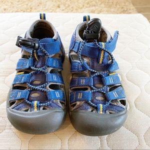 KEEN Younger Kid Newport H2 Sandal Boys size 10